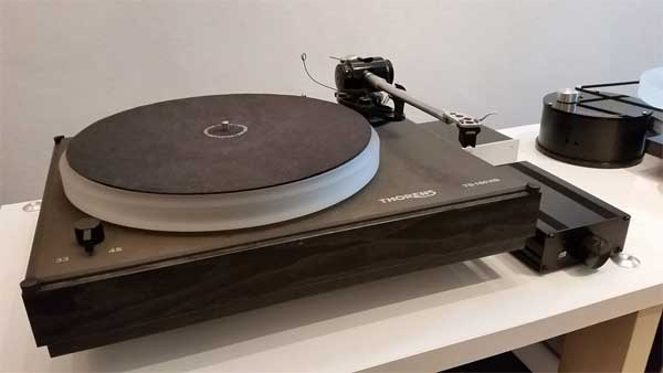 Turntable of Thorens TD-160 HD / RB-250
