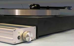 Linn-LP12-with-speed controlswitch-box
