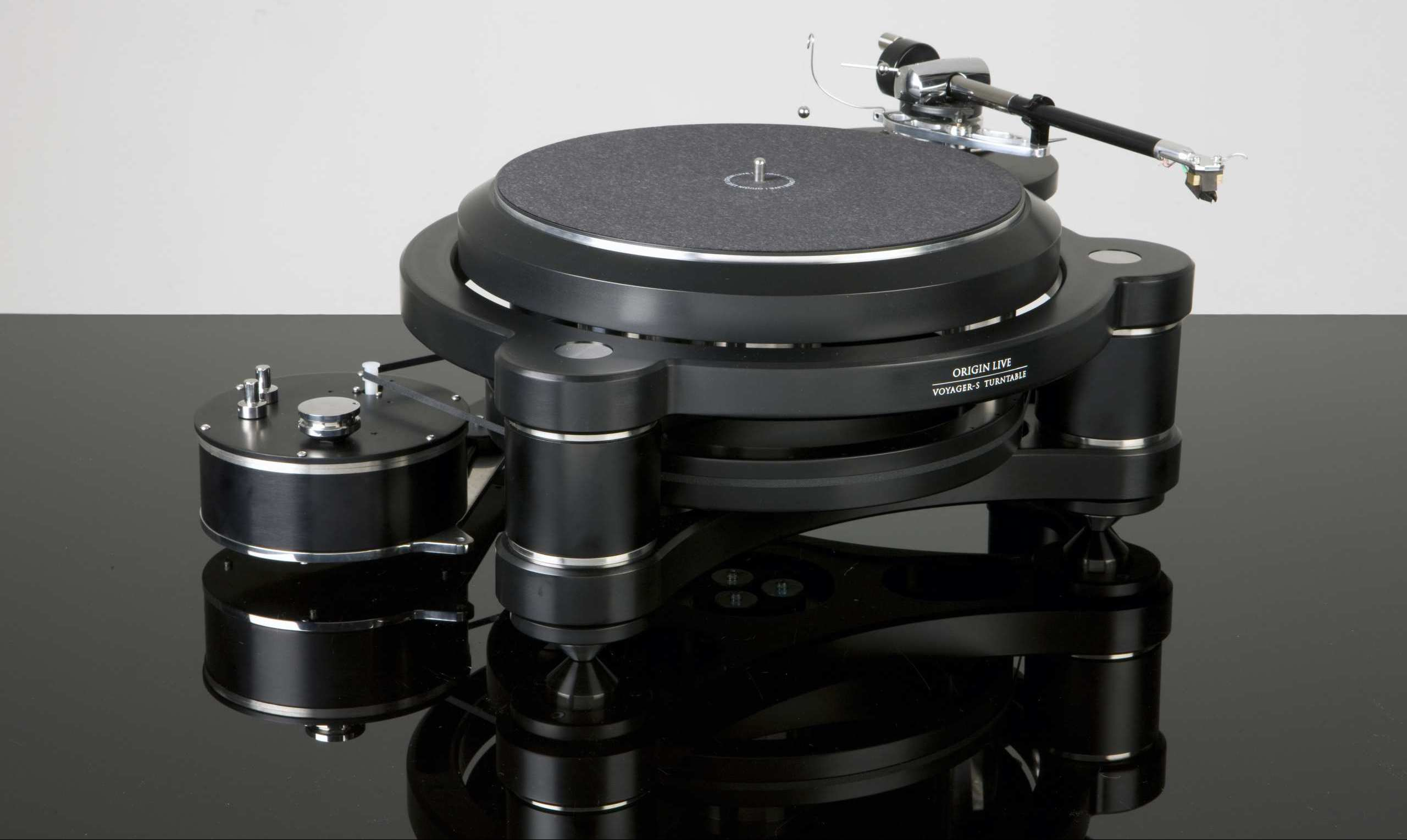 Origin Live voyager Turntable leading to Turntable product range